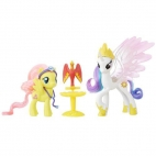 Set Figurine Nurturing Friends Princess Celestia si Fluttershy