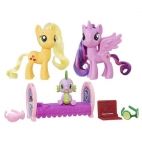 Set Figurine Family Moment Princess Twilight Sparkle si Applejack
